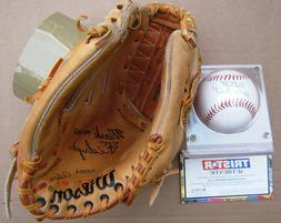 Detroit Tigers' Mark  Fidrych Glove & autographed baseball !