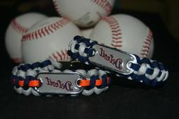 Detroit Tigers Paracord Bracelet w/ MLB Dog Tag and Metal Bu