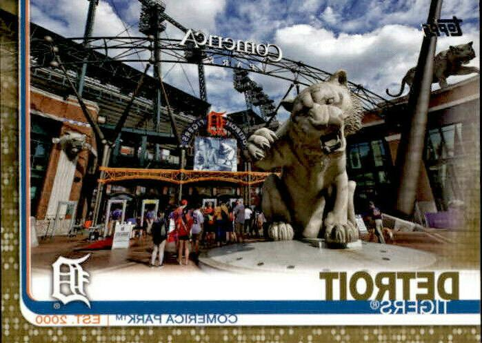 detroit tigers 2019 topps series 2 gold