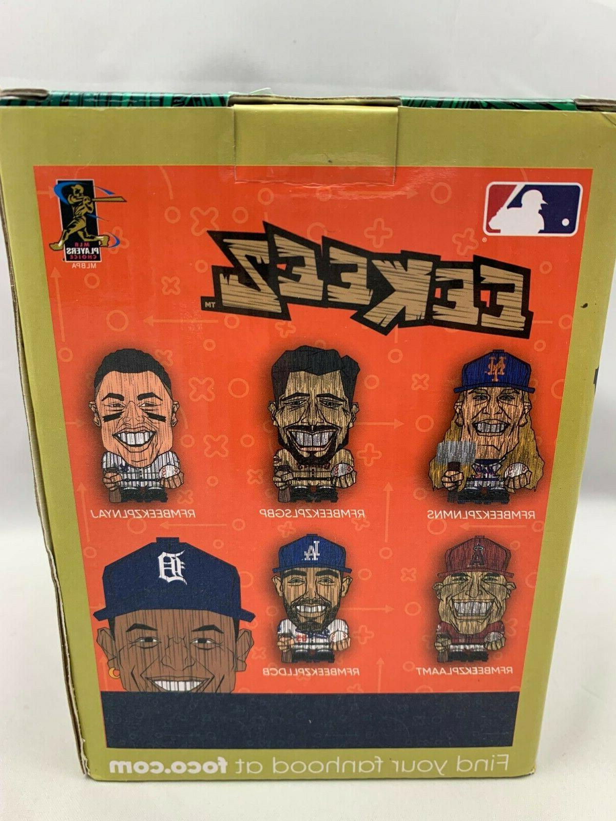 """Forever Collectibles 4"""""""