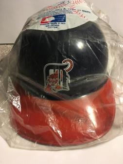 Vintage Detroit Tigers Souvenir Batting Helmit